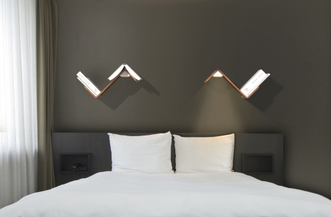 light reading freidafroo. Black Bedroom Furniture Sets. Home Design Ideas